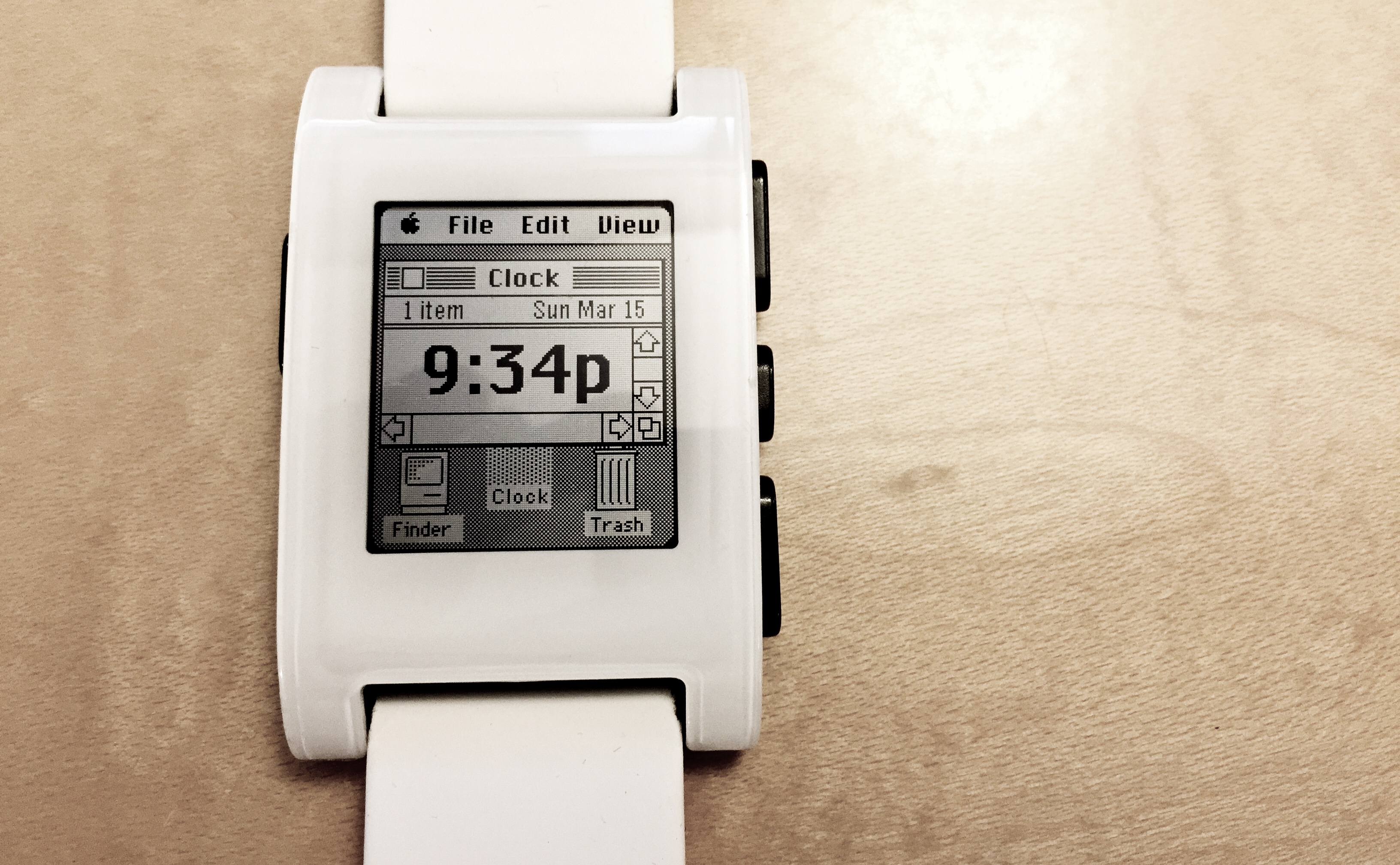 Apple Watch by Pebble